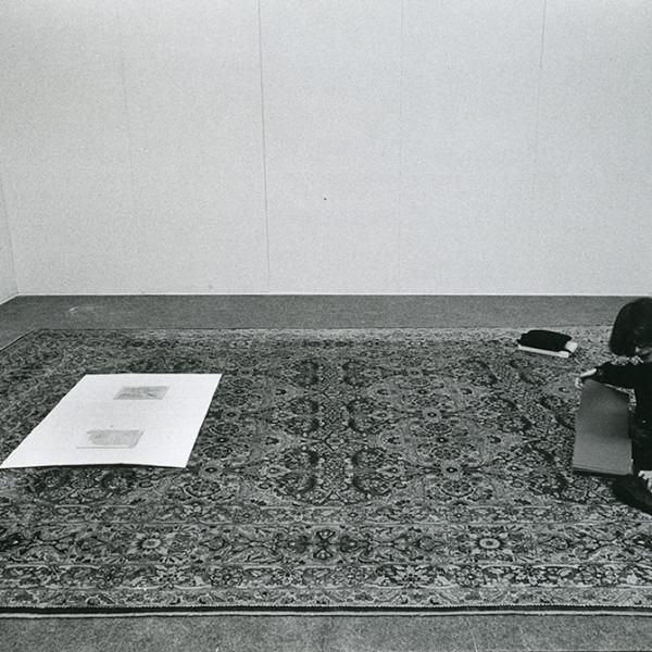 Amalia Del Ponte, Culturae: florum omnium varietas (nascita), 1977, ph Carla Cerati