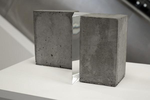 Amalia Del Ponte, Tropismi, 1970, plexiglass e cemento