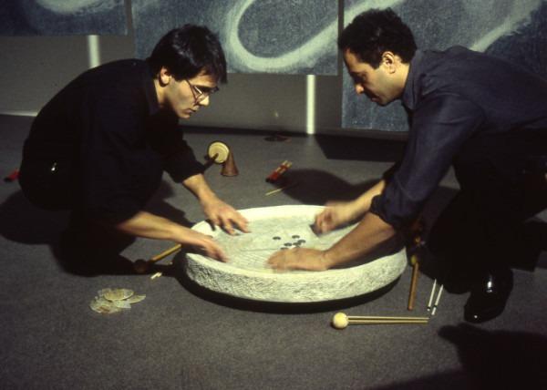 Elio Marchesini e Ben Omar suonano Aqua alla Galleria Belvedere